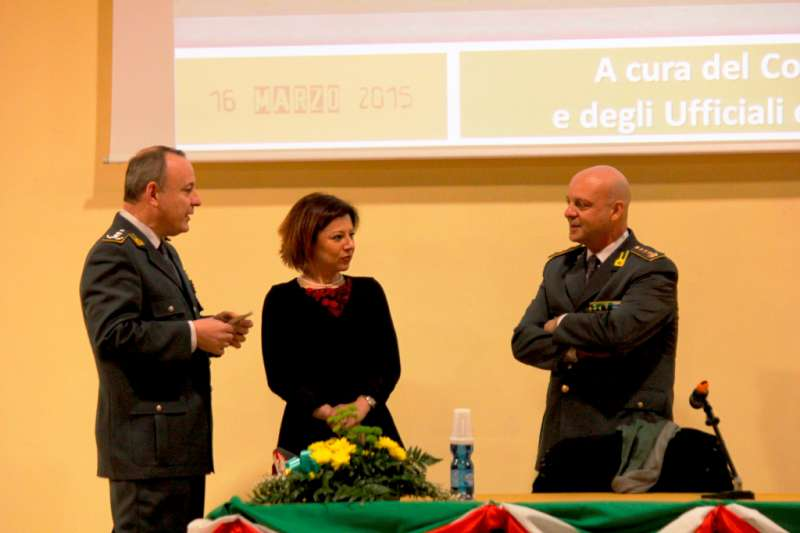 Guardia di Finanza e Paola De Micheli (4)-800