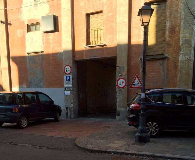 parcheggio selvaggio-800