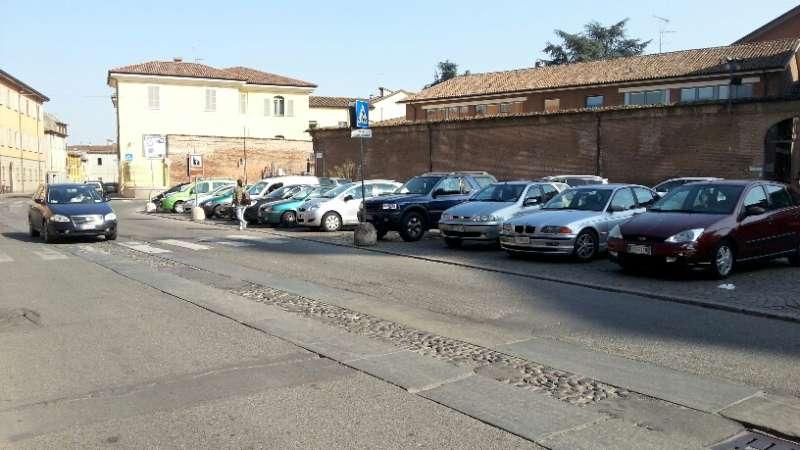 Piazzale delle Crociate libero dalle auto. Spazio a eventi e manifestazioni