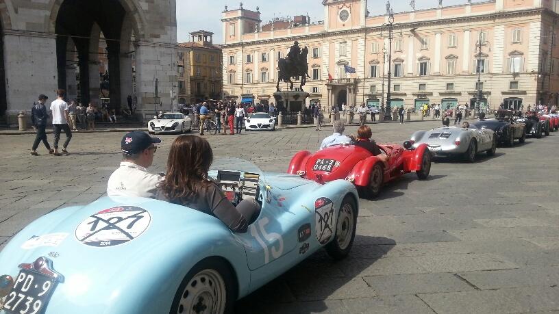 Auto d'epoca piazza Cavalli - circuito di Piacenza
