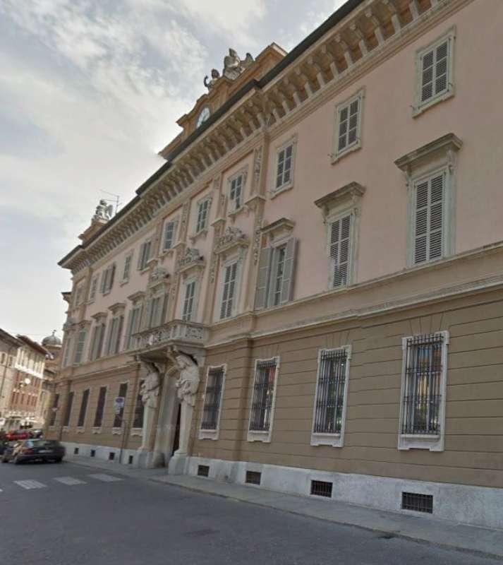 Piazza Duomo e palazzo Vescovile Curia Diocesi