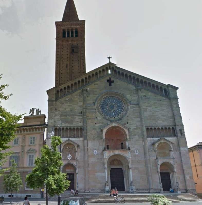 Piazza Duomo e palazzo Vescovile Curia Diocesi (8)-800