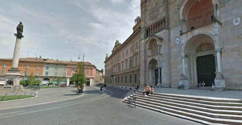 Piazza Duomo e palazzo Vescovile Curia Diocesi (9)-800