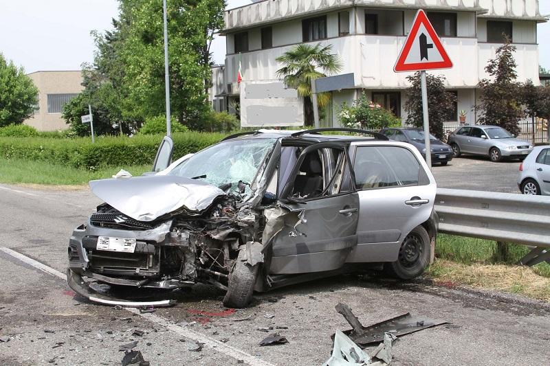 albarola incidente f.2 l'auto del morto