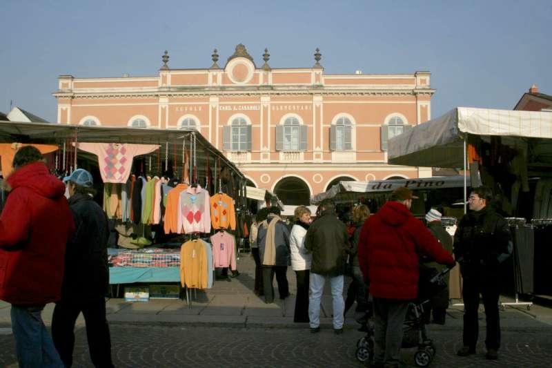 Castel San Giovanni, mercato più sicuro. Nuovo piano per l'emergenza