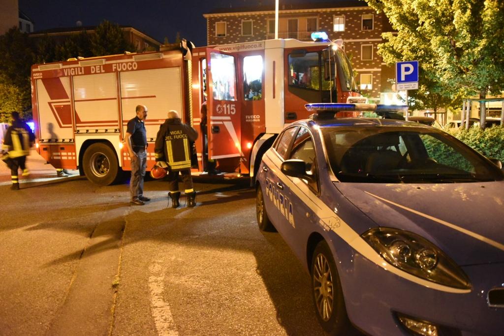 Via Gadolini, scoppio e incendio in un ufficio: intervento dei pompieri