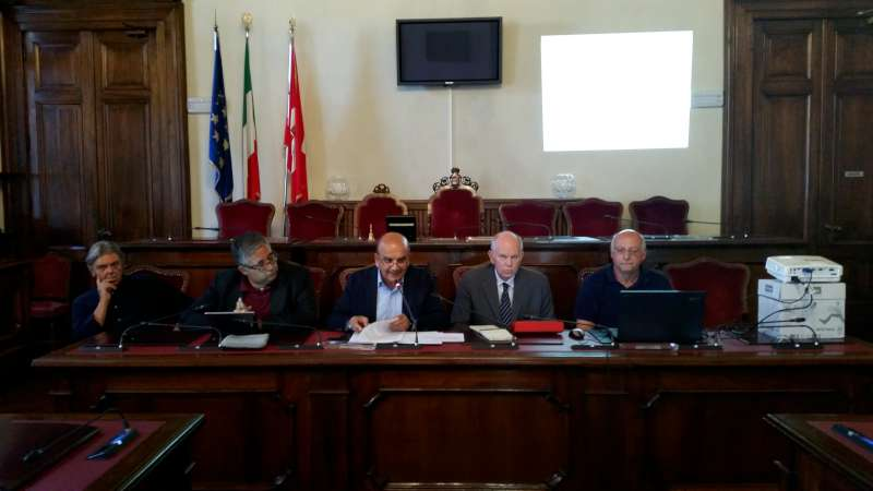 Conferenza comune rifiuti Genova (1)-800