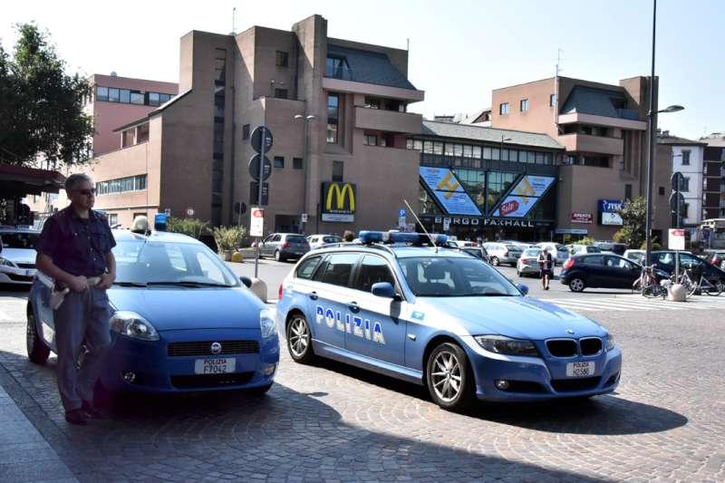 Rissa in piazzale Marconi: un arresto e una denuncia per coppia di peruviani