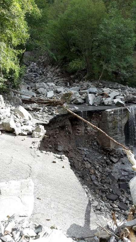 Alluvione 2015, le strade nel comune di Ferriere (22)-800