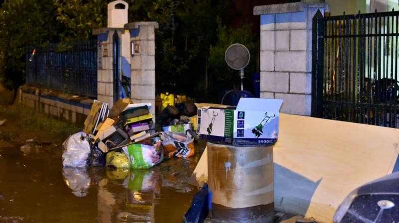 Alluvione a Roncaglia, il sopralluogo notturno del sindaco Paolo Dosi (42)-800