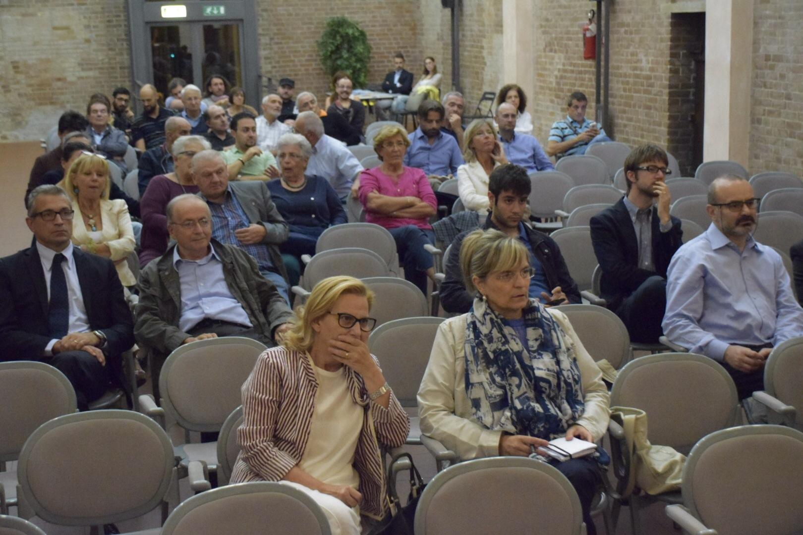 """""""No all'ideologia gender"""", convegno in Sant'Ilario. Fuori la contestazione"""