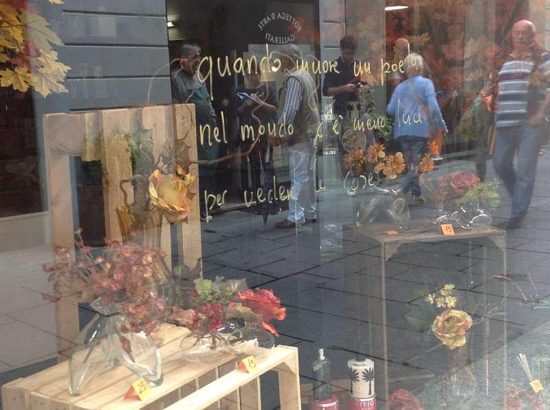 La vetrina del negozio di Luigi Agnelli (2)-800