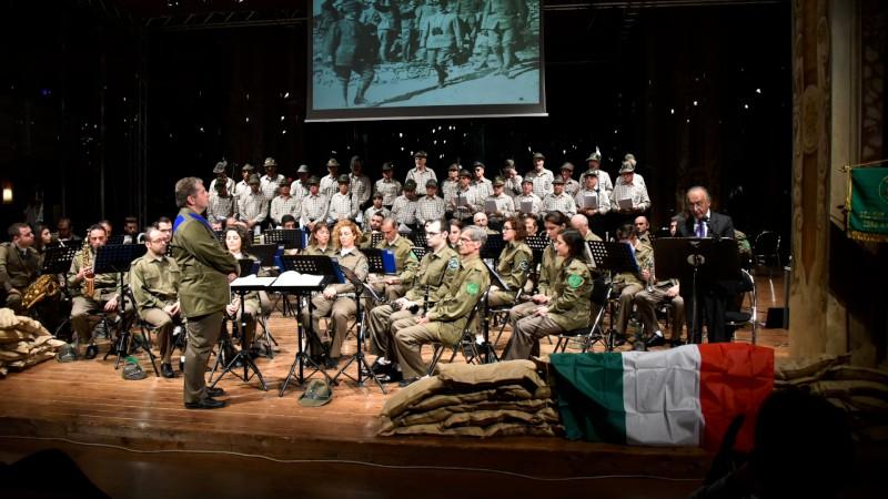Gli alpini ricordano la Grande guerra: coro, fanfara e lettere dal fronte