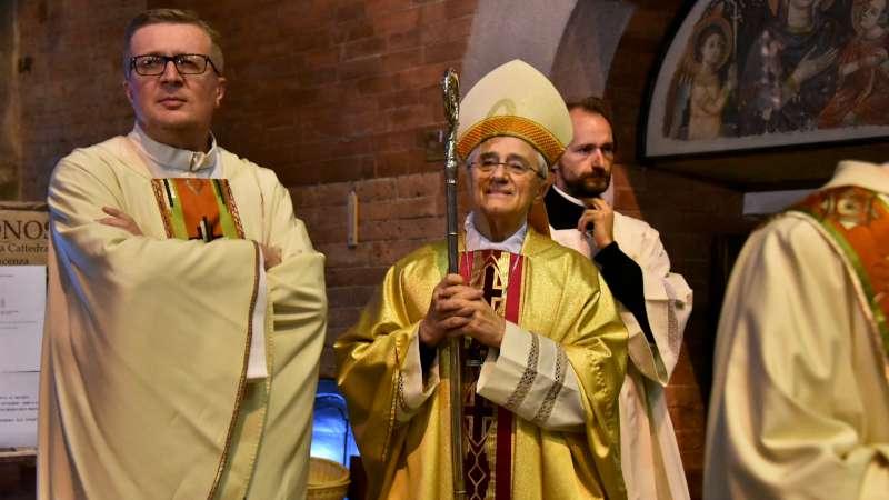 La messa di inizio anno scolastico, in Duomo con il vescovo (3)-800