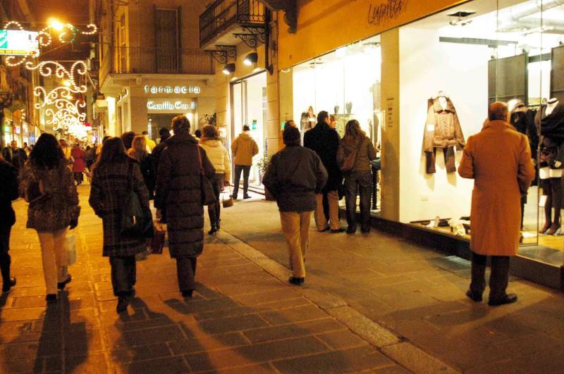 negozi aperti nelle festivita-800