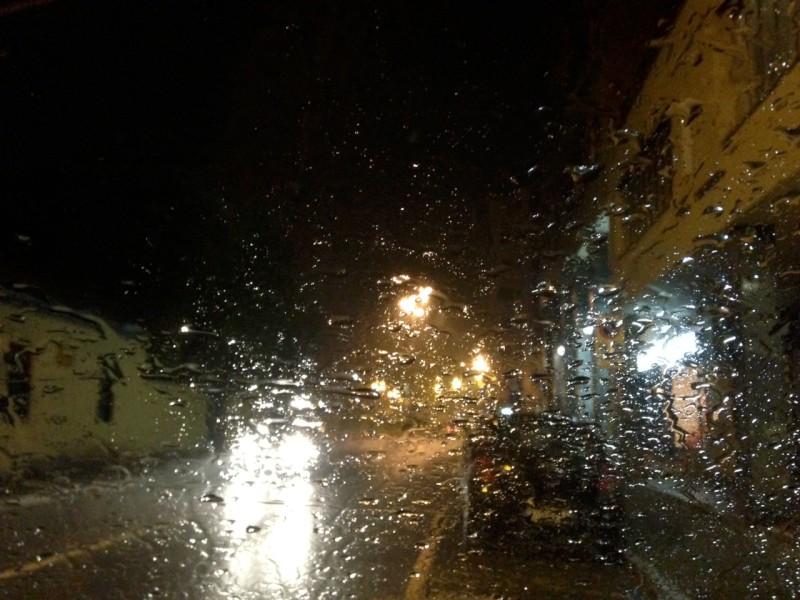 Temporali, pioggia e vento in arrivo. Allerta meteo arancione per il week-end