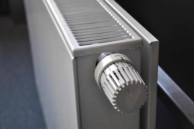 """Riscaldamento, tour negli uffici pubblici con il termometro: """"Temperature in regola"""""""