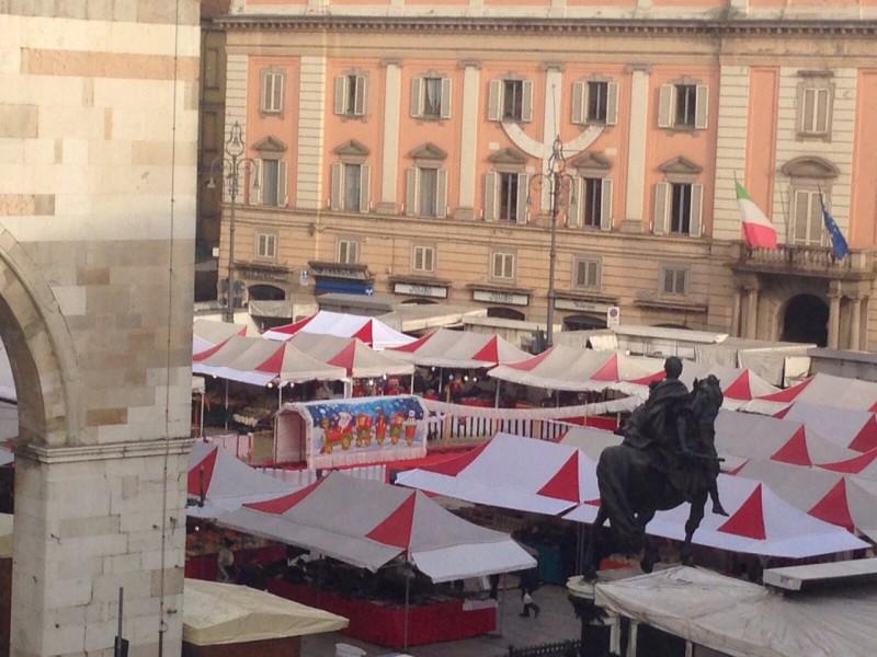 Mercato di Natale in piazza Cavalli: Consiglio di Stato respinge l'ultimo ricorso degli ambulanti