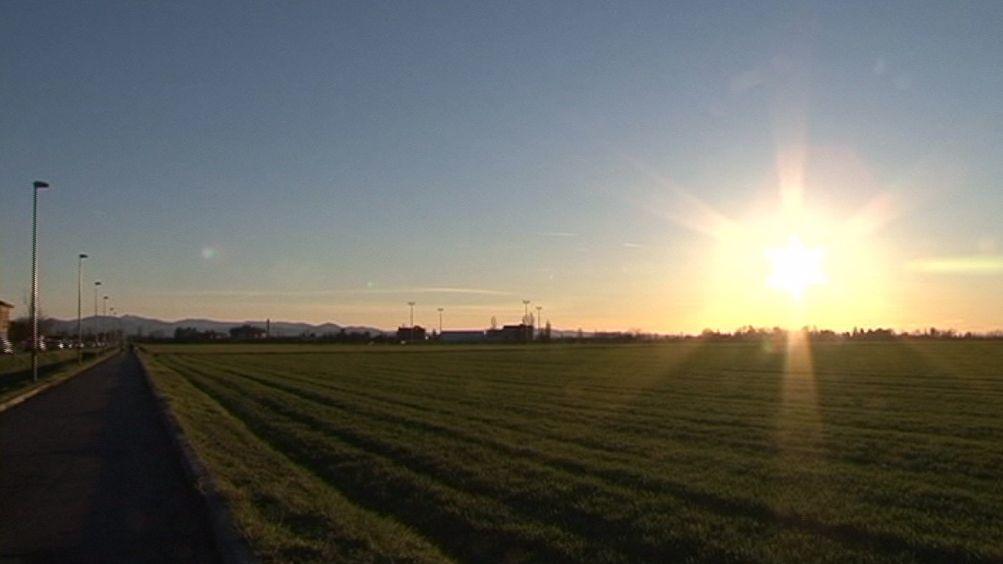 Meteo, bel tempo, freddo invernale al tramonto  (3)