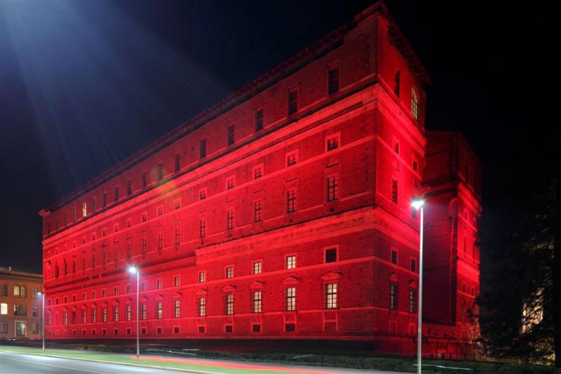 Palazzo Farnese si tinge di rosa per la prevenzione del tumore al seno