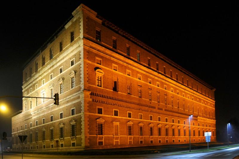 Palazzo Farnese illuminato (fmd) (4)
