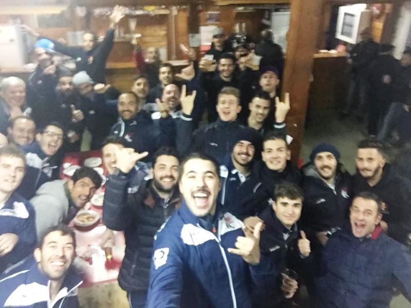 Il Piacenza Rugby festeggia nel dopo gara