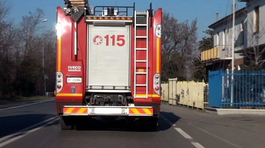 Vigili del fuoco in citta