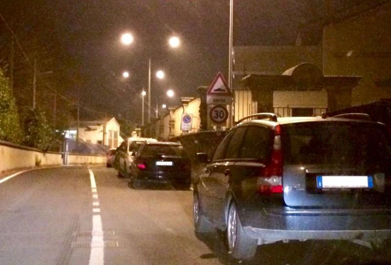 parcheggio selvaggio in via Nino Bixio (2)-800