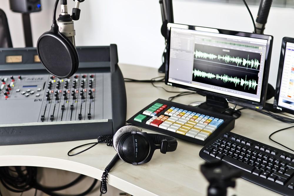 web radio (4)-1000