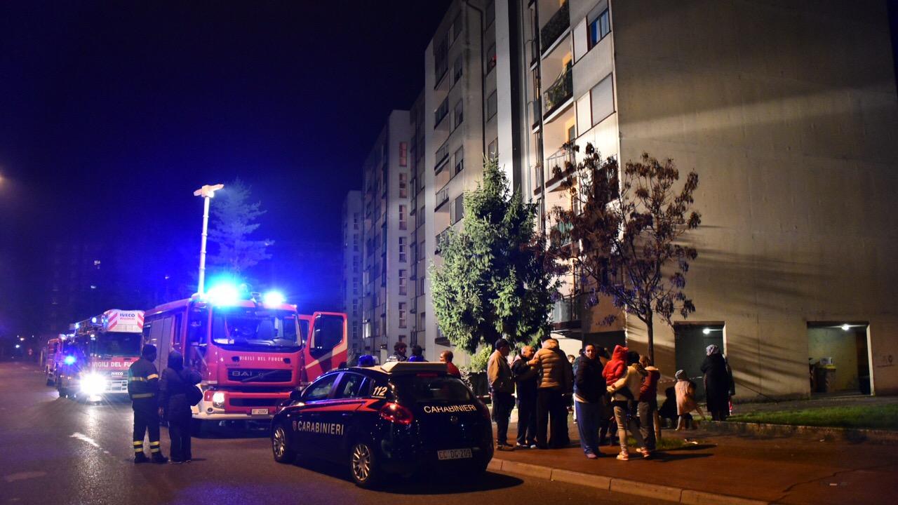 Paura in via Marinai d'Italia per un incendio in appartamento