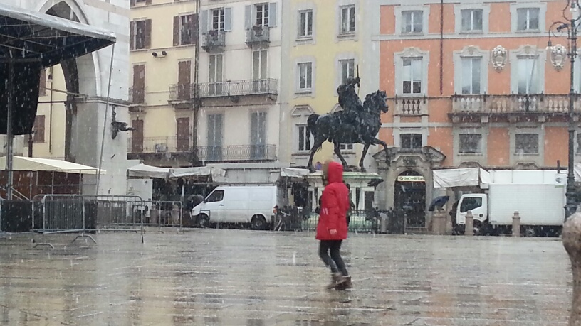 L'inverno fa sul serio: domenica neve anche in città, pericolo ghiaccio