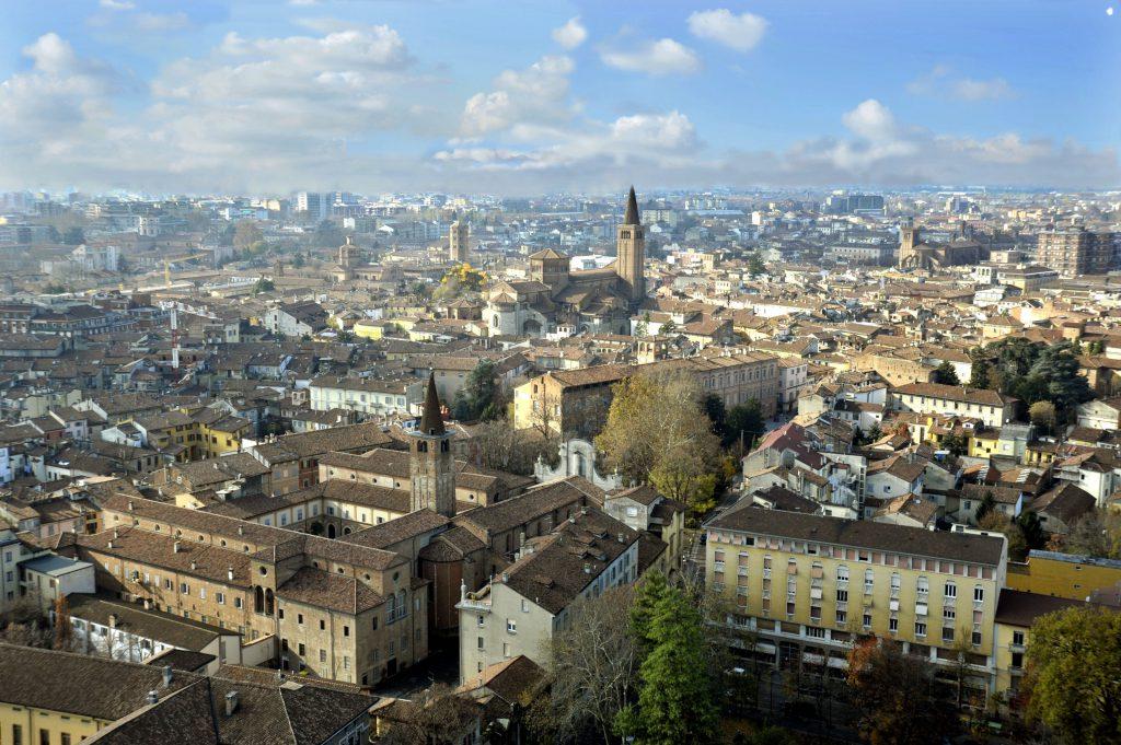piacenza vista aerea centro città