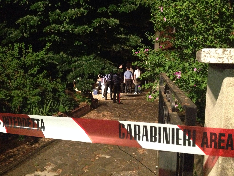 Piacenza: omicidio-suicidio, 45enne spara alla moglie e si uccide