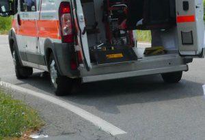 Vicobarone, scontro tra auto e moto: ferito centauro 65enne