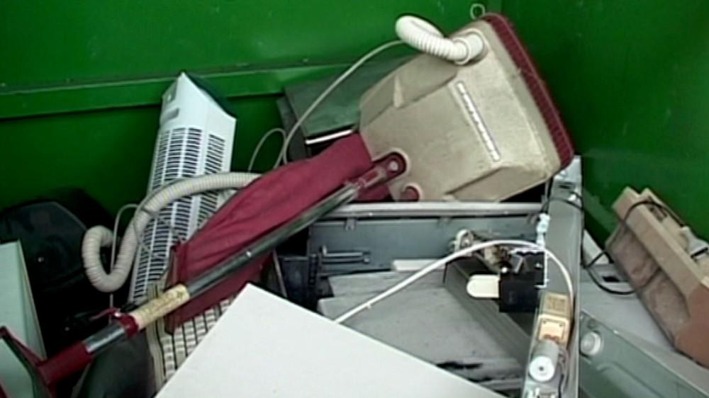 Piacenza ultima in Regione per raccolta di rifiuti elettrici ed elettronici