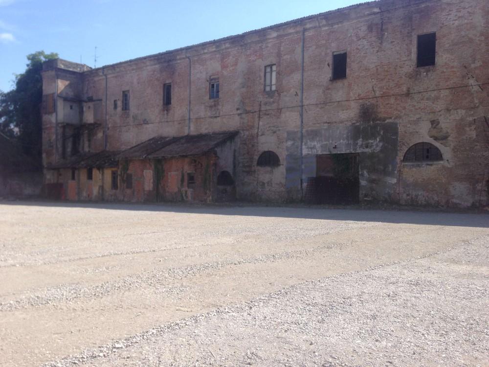 Caserma Dal Verme ripulita (2)-1000