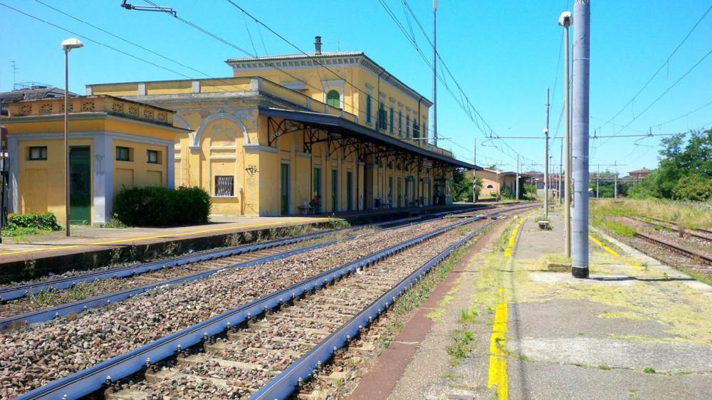 stazione ferroviaria di Castelsangiovanni (2)-1000