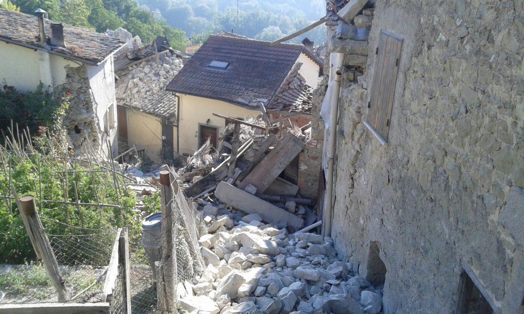 Soccorsi vigili del fuoco terremoto in centro italia
