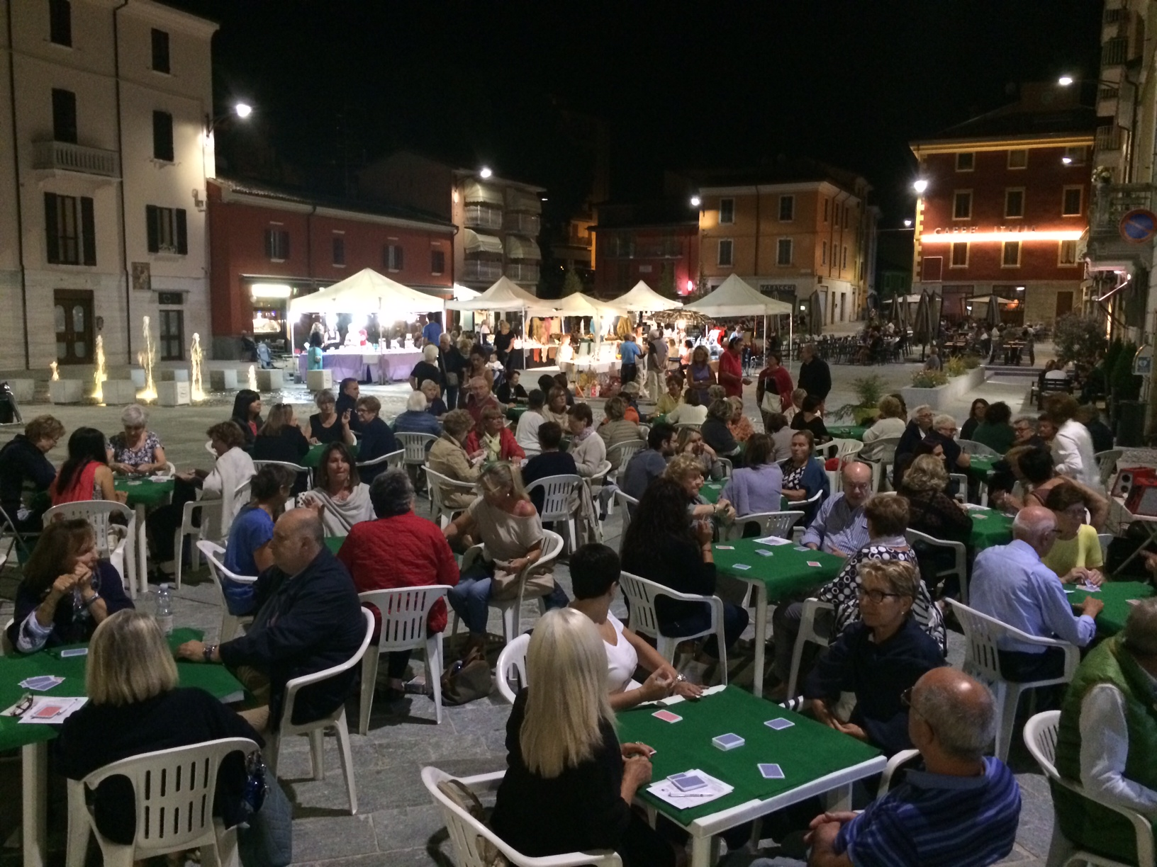 burraco in piazza (1)