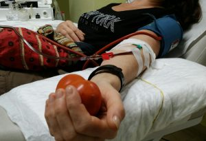 Scorte di sangue in esaurimento in Italia. Da Piacenza appello a donare