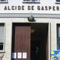 Ladri alla De Gasperi, spariscono frutta e formaggi per gli studenti