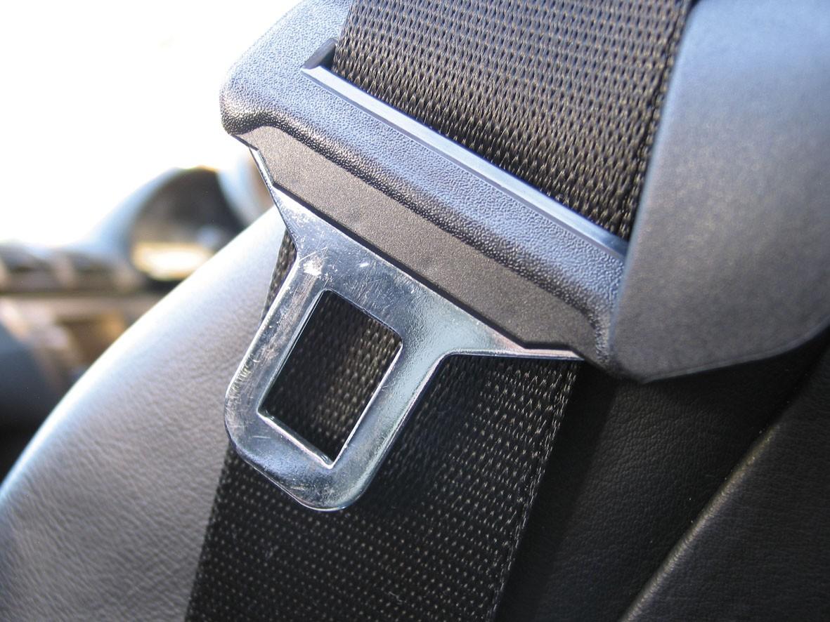 Giro di vite per chi guida senza cinture: controlli a tappeto in arrivo
