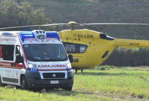 Gravissimo motociclista caduto sulla strada del Penice. Portato a Parma in eliambulanza