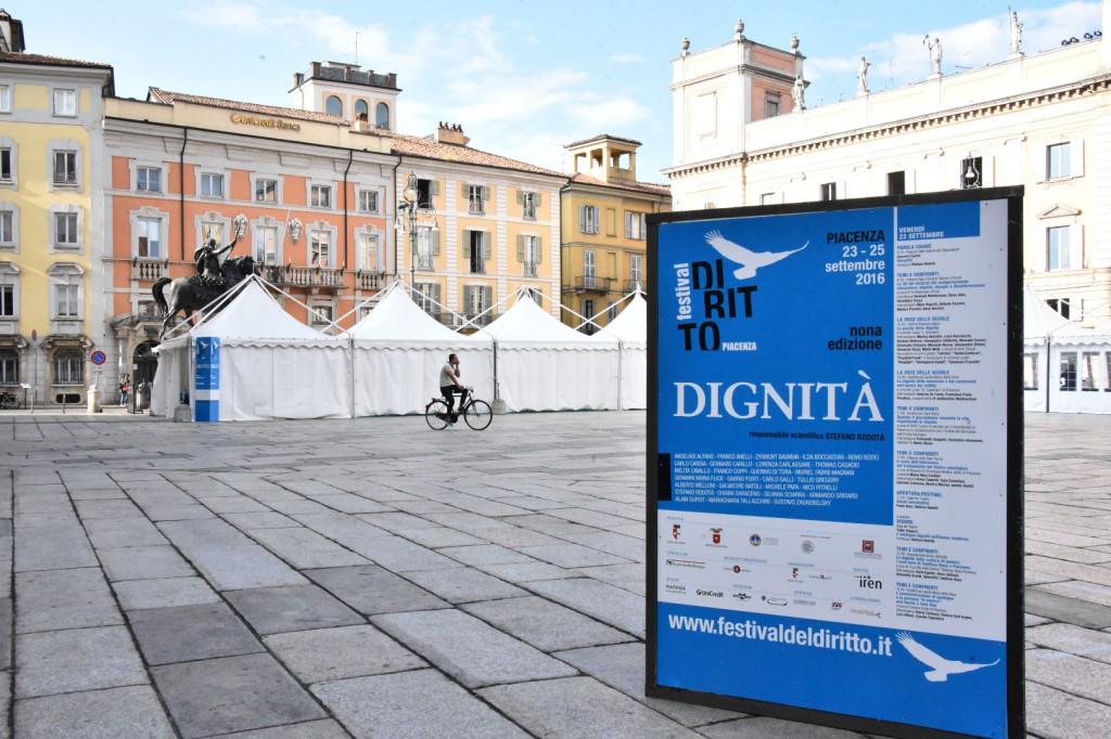 Festival del diritto - preparativi - foto Lunini.s soffientini