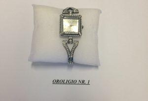 """""""Patacche"""" vendute come orologi preziosi: finto maresciallo truffa 80enne"""