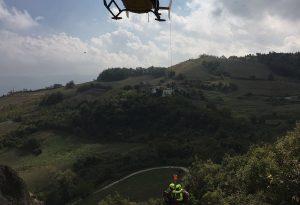 Papà e figlia precipitano dalla Pietra Perduca: volo di dieci metri