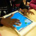 Disabilità e comunicazione: con i tablet 102 bambini sono tornati a sorridere
