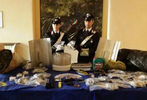 Coltivazione intensiva di marijuana in una villa in centro, 44enne arrestato