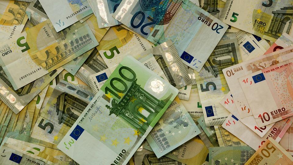 Pizze da asporto pagate con 100 euro falsi, indagini dei carabinieri a San Nicolò
