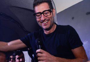 """Enrico Papi conquista la notte dei giovani piacentini con la """"Sarabanda-mania"""""""